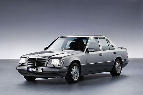 Der Aufrüst-Kat bringt beim Mercedes E 200 (W124) 168 Euro Steuerersparnis.