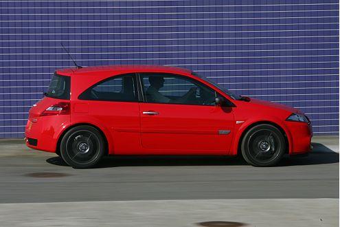 Hält sich optisch eher zurück: die Diesel-Version des Mégane Sport.
