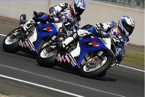 Es war ein harter Kampf zwischen den Suzuki-Fahrern: Am Ende hatte das B-Team die Nase vorn.