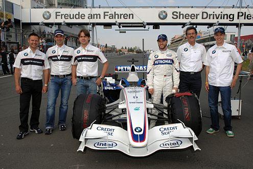 Die BMW-Truppe:  Andy Priaulx, Joerg Mueller, Augusto Farfus, Nick Heidfeld, Mario Theissen, Sebastian Vettel (v.l.n.r.)