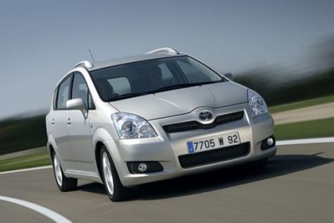 Facelift Toyota Corolla Verso