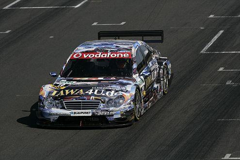 DTM-Rookie Paul di Resta (GB) machte den Mercedes-Doppelsieg komplett. Und das im 2005er Mercedes.