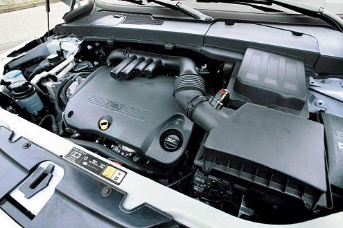 Der 2,2-Liter-Diesel des Freelander stammt aus der Peugeot-Kooperation.