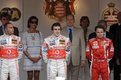 Ob das Ergebnis – 2. Hamilton, 1. Alonso, 3. Massa (v.l.) – Bestand hat, wird die FIA erst noch entscheiden.