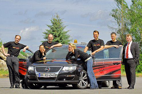 Das Sieben-Mann-Team LUX mit Ibeo-Chef Dr. Ulrich Lages (rechts).