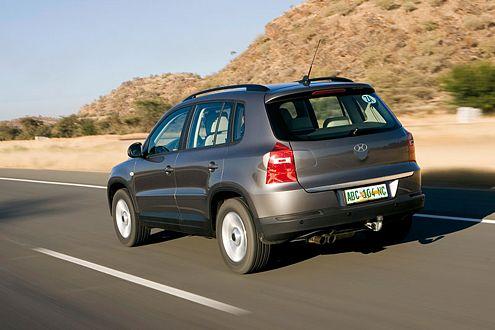 Mit drei Benzinern und zwei Dieseln rollt der Tiguan im Herbst 2007 zu uns.
