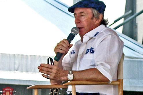 Stewart ist heute noch aktiv: Hier kommentiert er den GP der USA 2005.