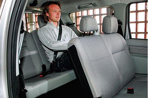 Für 450 Euro eröffnet der Dacia mit zwei Zusatzsitzen die dritte Reihe.