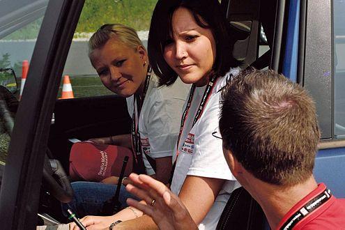 Verena Brust (vorn) hat sich für das Finale am Lausitzring qualifiziert.