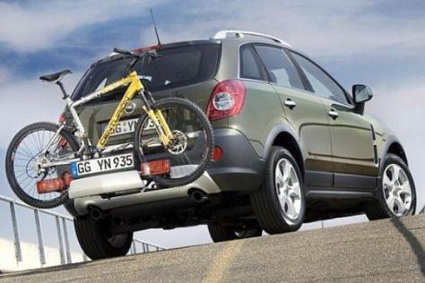 Opel Antara mit Fahrradträger