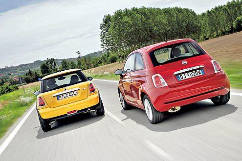 Zwei Surfer auf der Retro-Welle: Wie der Mini One hat auch der Fiat 500 sein historisches Vorbild. Ab Herbst 2007 kommt es auch in Deutschland zum Duell der Neuauflagen.