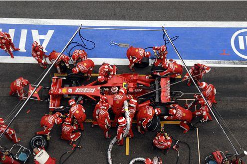Kimi Räikkönen und seine Boxen-Crew lieferten ein perfektes Rennen ab.