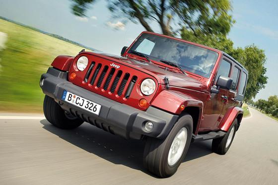 Im Vergleich zum Land Rover fährt der Jeep um Welten besser. Ja, er ist eine andere Welt.