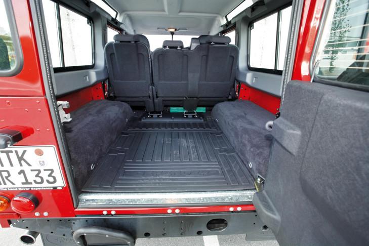 test jeep wrangler und land rover defender bilder. Black Bedroom Furniture Sets. Home Design Ideas