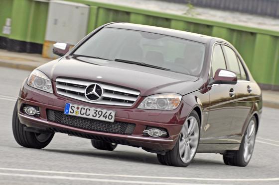 Der Mercedes ist in vielen Details raffinierter und aufwendiger gebaut – aber ein Klassenunterschied ist nicht mehr spürbar.