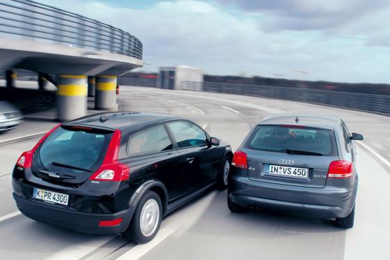 Hübsche Rücken: Aus dieser Perspektive hat eindeutig der Volvo die Nase vorn.