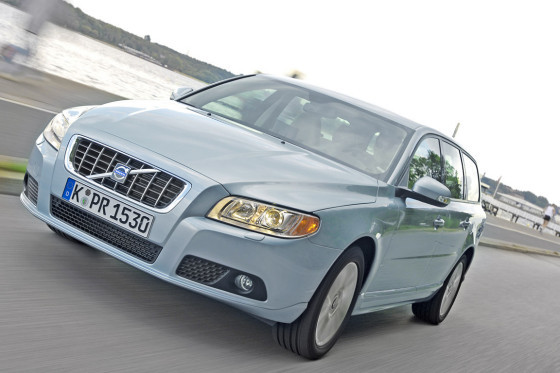 Ganz vorn liegt der Volvo mit seinen 238 PS: Der BMW fährt mit 218, der Audi mit 210 PS vor.