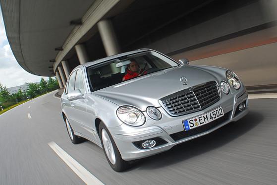 Alle reden vom Hybrid, Mercedes hält am Diesel fest. Bluetec heißt das Zauberwort, das den Selbstzünder fit für die Zukunft machen soll.