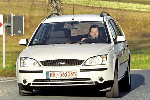 Im November 2000 startete der Mondeo in drei Karosserie-Varianten.