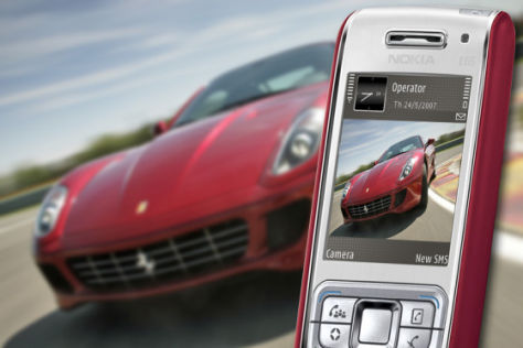 Handyfun mit Ferrari