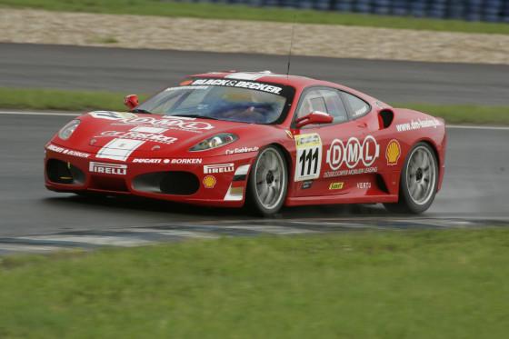 Der Schöne: Ferrari F430 Challenge. 430 PS beschleunigen ihn auf maximal 302 km/h.