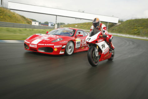 Tracktest Ferrari F430 vs Ducati 1098s