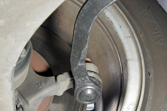 Osteoporose: Die Spurstangen sind zu schwach. Im Testwagen wurde bereits bei Tachostand 80.000 eine neue eingebaut.