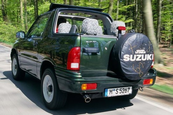 suzuki grand vitara 2 0 cabrio fummeln an suzi. Black Bedroom Furniture Sets. Home Design Ideas