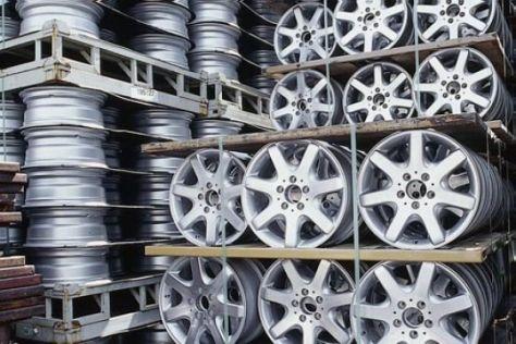 Serie: Produktion von Autoteilen