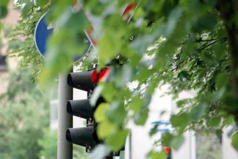 Verdeckte Schilder und Ampeln
