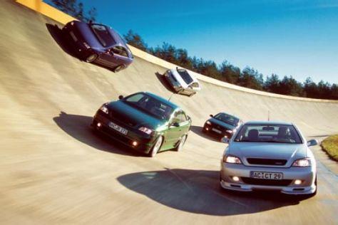 Fünf getunte Opel Astra Coupé