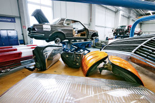 Knappe Mercedes-Teile