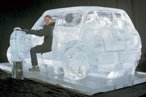 Sechs Tonnen schwer und aus purem Eis