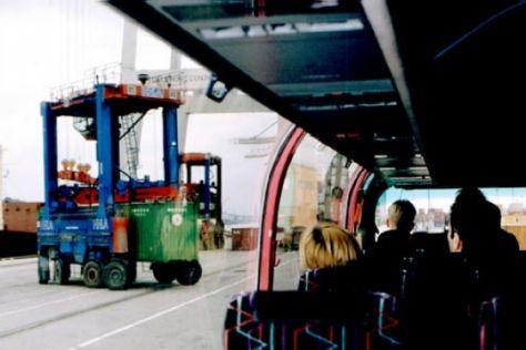 Bustour durch Hamburgs Containerhafen