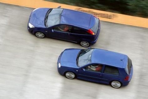 Ford Focus RS gegen VW Golf R32