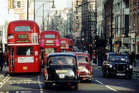 Londons Doppeldecker-Busse