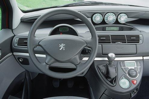 Peugeot 807 2.2 16V Tendance
