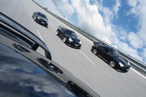 Vier getunte Porsche Turbo