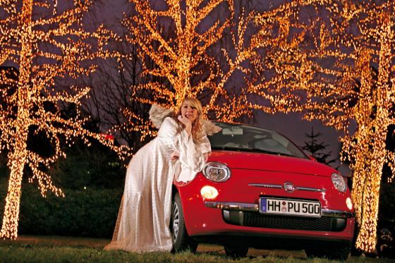 Was für ein Weihnachtsmärchen: Man erzählt sich die Mär von Luigi, dem flinken Boten, und Engel Anstasia, der holden Spenderin - Frohlocket!