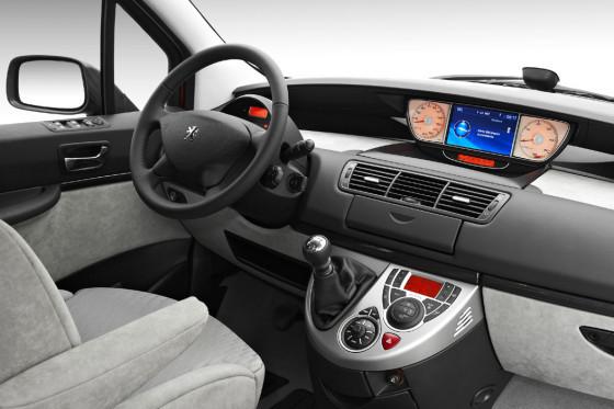 Innenraum Peugeot 807