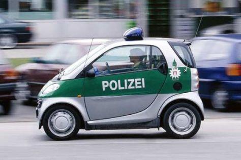 Englische Polizei fährt Smart