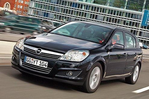 Für den fünftürigen Astra entscheiden sich 30 Prozent der Käufer. Am beliebtesten ist der Caravan.