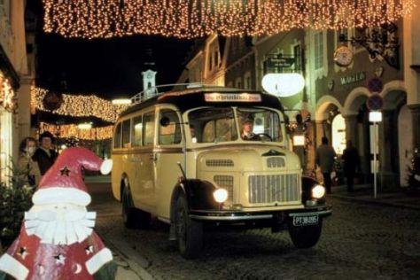 Festliche Fahrt zur Weihnachtszeit