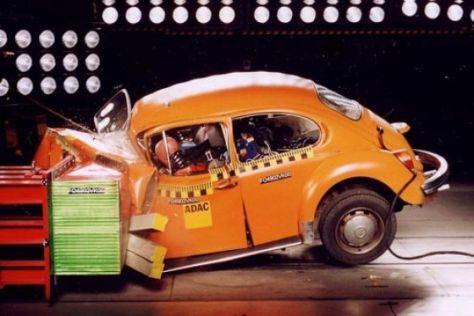 Crash-Vergleich VW Käfer, Golf II, Golf IV