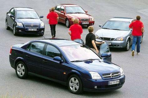 Vectra gegen Avensis, Magentis und Evanda