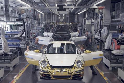 Explosion im Porsche-Werk