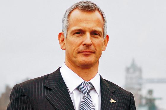 Londons Bürgermeisterkandidat Brian Paddick (Liberal-Demokraten) will auf eine City-Maut-Erhöhung für Spritfresser verzichten.