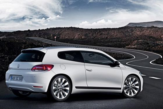 Jugendlich-breite Schultern, sehr muskulöses Heck: VW zeigt neuen Mut zur Sportlichkeit.