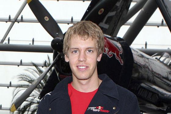 Der Dritte im Bunde der F1-Young-Generation. Sebastian Vettel hat wie Rosberg und Hamilton das Zeug zum Siegen, nur nocht das richtige Auto.