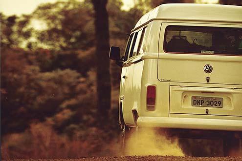 Der VW T2 fährt noch neu vom Band – allerdings nur in Brasilien. In Europa wäre ohne ABS, Airbags und Katalysator eine Zulassung undenkbar.